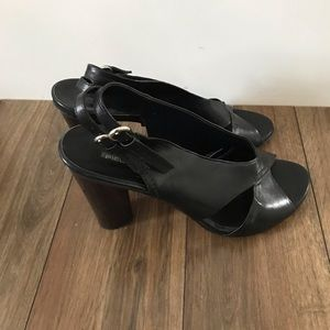 Pied a Terre sandals size 8.5 (39)
